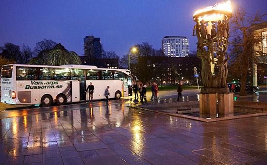 Buss utanför Malmö Opera