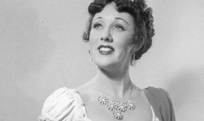 Ethel Mårtensson som Tosca
