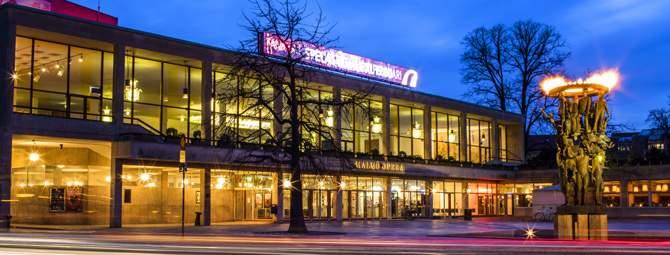 Malmö Opera i skymning