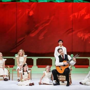 Sound of Music von trapp spelar gitarr för barnen