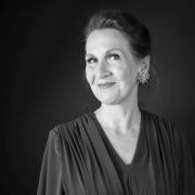 Suzanne Flink