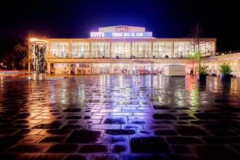 Operahuset i regn